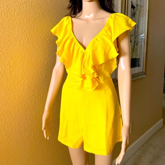 Romper/ yellow/ brand new never worn/ XS